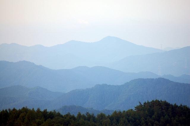 北上山地の朝